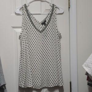 Casual sleeveless blouse